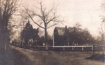 (Circa 1906) Union Lane facing West at corner of Green Avenue