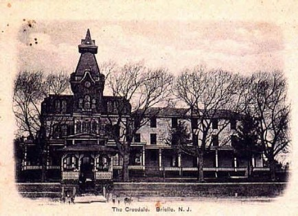 Originally constructed as a summer cottage for Captain Wynant Pearce, Brooklyn, N.Y. in 1877. Capt. Pearce later turned it into a summer hotel and right hand section was added to original structure.